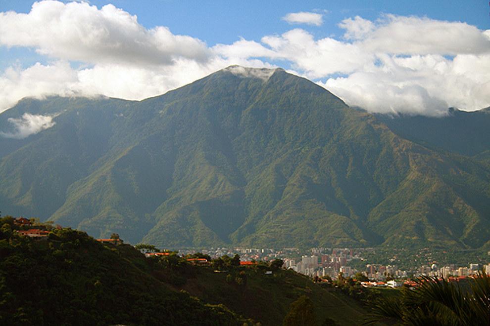 Conquistando el Pico Naiguatá: recorriendo el Ávila.